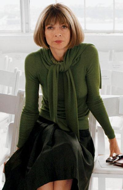 Десятку ужаснейших нарядов-2008 возглавляет редактор американского журнала мод Vogue и признанная икона стиля Анна Винтур. Именно эта дама стала прототипом главной героини фильма
